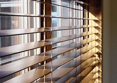 -020811-082453-Wood-blinds-1